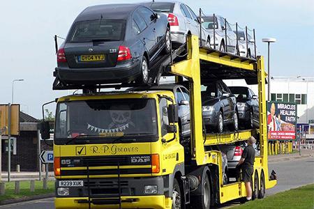 トラックトレーラー
