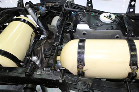CNGタンクにおけるCFRP複合材料